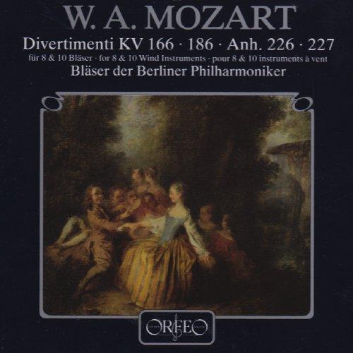 Bläser der Berliner Philharmoniker - Divertimenti für 8 und 10 Bläser