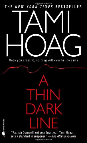 A Thin Dark Line (Mysteries & Horror) - Tami Hoag